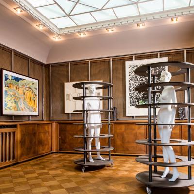 Installationsansicht Oberlichtsaal – Arbeiten von: Sean Landers / Peter Land / Richard Artschwager / Christopher Wool / Kai Althoff / Sherrie Levine / Heimo Zobernig